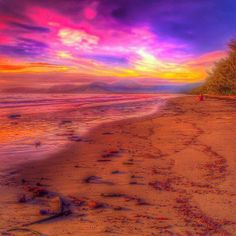 We witnessed some of the most amazing sunrises when we were in Queensland…