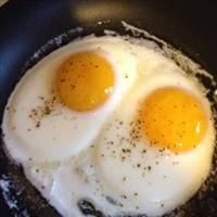 Perfect Fried Eggs | BigOven recipe 163646 Fried Egg Recipes, Perfect Fried Egg, Hot Butter, Egg Recipes For Breakfast, Fried Eggs, Vegetarian Paleo, Best Dishes, Serving Plates, Nom Nom