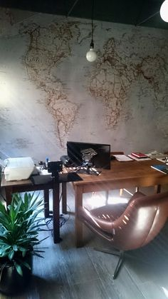 This old map makes the perfect finish for the contemporary office. World Map Wallpaper, Contemporary Office, Old Maps, Home Office Design, Dining Table, Wallpapers, Display, Home Decor, Floor Space