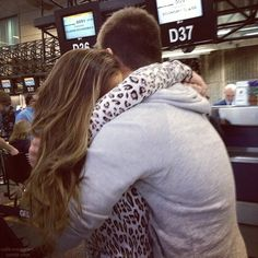Find images and videos about love, boy and couple on We Heart It - the app to get lost in what you love. Perfect Relationship, Cute Relationships, Relationship Goals, Cute Love Pictures, Couple Pictures, Love Me Like, True Love, Marisa Monte, Cute Poses