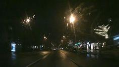 Regen im neuen Jahr - schlafende Stadt - wir fahren mit dem Auto im näch...
