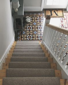 hallway flooring Hallway with original Minton tiles, stripped staircase and carpet runner. Hall Tiles, Tiled Hallway, Front Hallway, Hallway Carpet, Hallway Flooring, Carpet Stairs, Stairs And Hallway Ideas, Grey Hallway, Staircase Ideas