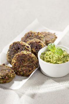 Vegan: Kidneybohnenbuletten mit Zucchini-Dip (für zwei Personen)    Zutaten  Für die Kidneybohnen-Buletten: 1 ½ rote Zwiebeln (brutto 100 g) [] 1 ...
