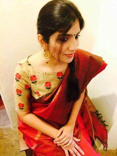 45 Latest Plain saree with Designer Blouse Ideas Saree Blouse Patterns, Saree Blouse Designs, Indian Attire, Indian Ethnic Wear, Saree Styles, Blouse Styles, Indian Blouse, Indian Sarees, Plain Saree