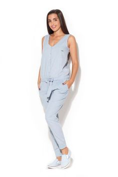 Women living jumpsuit of a youth-cut