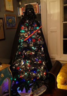 Star Wars Themed Christmas Tree| See more DIY projects here http://gwyl.io/