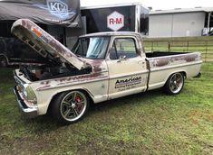 Ford Pickup Trucks, Car Ford, Hot Rod Trucks, Cool Trucks, Classic Trucks, Classic Cars, Truck Paint Jobs, F100, Old Wagons