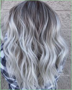 Blonde Hair With Silver Highlights, Straight Hair Highlights, Icy Blonde, Ash Blonde Hair, Balayage Hair Blonde, White Highlights, Silver Blonde Ombre, Lavender Highlights, Gray Balayage