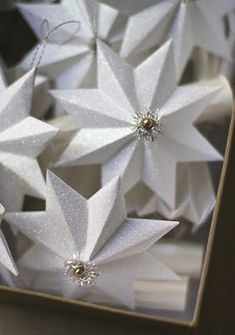 Ötletes Blog: Papírból karácsonyfadísz csillag