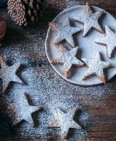 recette biscuit de Noel sans gluten etoiles amandes farine coco vanille Cookies Et Biscuits, Cookie Cutters, Gluten, Xmas, Autumn Photography, Christmas Recipes, Cupcakes, Film, Kitchens