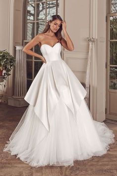Justin Alexander - Style Silk Dupion Sweetheart Ball Gown with Apron Tulle Skirt Sleek Wedding Dress, Satin Mermaid Wedding Dress, Wedding Dress Brands, Top Wedding Dresses, Wedding Gowns, Bridal Collection, Dress Collection, Justin Alexander, Wedding Dress Pictures