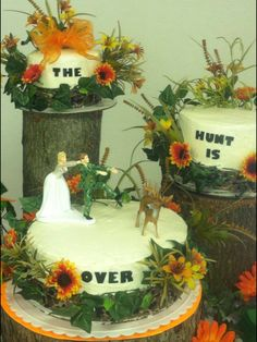 Funny Hunting Theme Wedding Cake