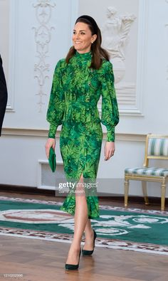 Catherine, Duchess of Cambridge arrives for a meeting with the President of Ireland at Áras an Uachtaráin on March 2020 in Dublin, Ireland. The Duke and Duchess of Cambridge are undertaking an. Get premium, high resolution news photos at Getty Images Duchess Kate, Duke And Duchess, Duchess Of Cambridge, Kate Middleton Style, Prince William And Kate, Princess Kate, Royal Fashion, Green Dress, Beautiful People