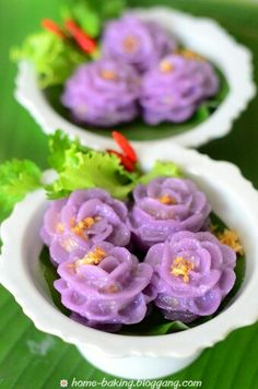 Thai Desserts - Ka Nom Un Chun made of flour and colored by purple flower leafs as food colouring