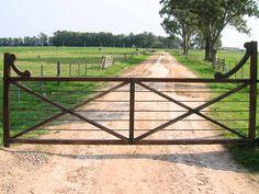 ranch gates | Ranch Driveway Gates http://www.ranchdrivewaygates.com/ranch-driveway ...-SR (I like it, simple, cute, affordable)