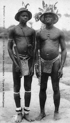 Africa | Mankaignes men. || Scanned vintage postcard; collection Generale Fortier, Dakar.