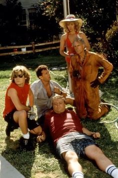 Bruce Dern,Tom Hanks, Wendy Schaal, Corey Feldman and Rick Ducommun in The Burbs 1989 80s Movies, Great Movies, Movie Tv, Awesome Movies, Movie List, King Kong, Movies Showing, Movies And Tv Shows, Toy Story Series