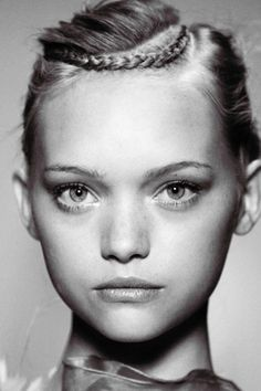 I love models with porcelain doll looks! My fave babydolls: Baby Gemma Ward (the classic one). Messy Hairstyles, Summer Hairstyles, Hairstyle Ideas, Gemma Ward, Corte Y Color, Natural Hair Styles, Long Hair Styles, Look At You, Hair Dos