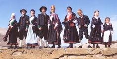 Bilderesultat for barn i bunad Norway, Barn, Vest, Dresses, Fashion, Vestidos, Moda, Converted Barn, Fashion Styles