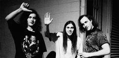 Meatbodies  Chad Ubovich, rasgou a cena rock em 2011, como guitarrista de Mikal Cronin e baixista de FUZZ. Entre as tours com estes projectos começou por se apresentar em Los Angeles sob a insígnia Chad and the +info em http://www.musicaemdx.pt/events/meatbodies-2/