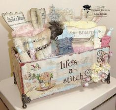 Sewing Box Decoupage Craft Rooms 51 New Ideas Shabby Chic Boxes, Shabby Chic Crafts, Shabby Chic Furniture, Shabby Chic Decor, Shaby Chic, Shabby Chic Style, Shabby Vintage, Pretty Box, Sewing Box