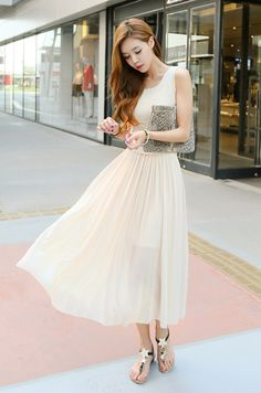 Oh my gosh, I want this dress.