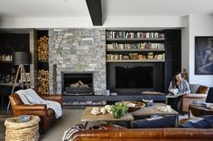 Latest Snap Shots Stone Fireplace hamptons Style 12 indoor stone fireplaces will provide you inspiration to use the beauty of natural stone in creat Fireplace Tv Wall, Build A Fireplace, Fireplace Design, Fireplace Ideas, Die Hamptons, Stone Feature Wall, Warehouse Living, Cedar Walls, Wall Cladding