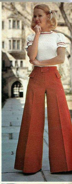 Retro Fashion Teen Fashions from Spiegel catalog. 70s Outfits, Vintage Outfits, Fashion Outfits, Seventies Fashion, 60s And 70s Fashion, Teen Fashion, 70s Vintage Fashion, Fashion 2018, Fashion Online