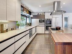 frameless kitchen cabinets - http://www.manufacturedhomepartsandsupplies.com/manufacturedhomekitchencabinetoptions.php