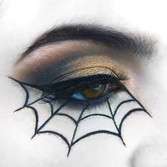 DnD Characters Perfect glam makeup for Halloween? Halloween Spider Makeup, Cat Face Halloween, Spider Web Makeup, Halloween Looks, Halloween 2020, Halloween Night, Halloween Stuff, Halloween Costumes, Crazy Makeup