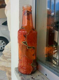 garrafa decorada, artesanato, decorated bottle, artwork, faça voce mesmo, arte, decoração https://www.facebook.com/candebooarte https://instagram.com/candeboo/