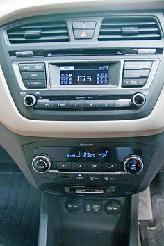 Hyundai i20 center console