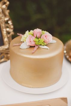 gold cake // photo by J. Layne Photography // cake by Metro Custom Cakes