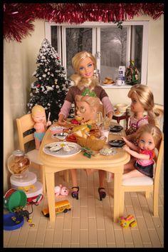 Münchausen syndrome by proxy barbie Barbie In Real Life, Barbie Life, Barbie World, Barbie Funny, Bad Barbie, Barbie Humor, Barbie Kills Ken, Barbie And Ken, Bjd