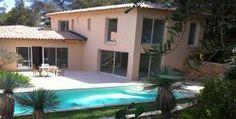 Sur la commune de Ramatuelle, située dans le domaine prisé de l'Escalet, cette belle villa est un havre de paix au cœur de la côte d'Azur.