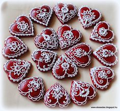 Heart Cookies, Cupcake Cookies, Christmas Hearts, Christmas Cookies, Xmas, Valentines Day Cookies, Cake Decorating Techniques, Felt Ornaments, Cookie Decorating