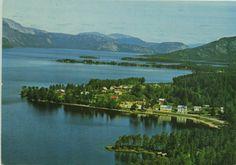 Nissedal i Telemark fylke  Nissedal er en kommune i Telemark. Den grenser i nord til Kviteseid, i øst til Drangedal og Gjerstad, i sør til Vegårshei og Åmli, og i vest til Fyresdal. Høyeste punkt er Førheinutane, 1 049 moh. Kommunen omkranser innsjøen Nisser.