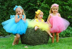 I want to make these for the baby girls at the party! So cute!