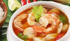 Tom Yam Kung: The ingredients include lemon grass , citrus leaves , shrimps, mushrooms most of the ingredients are beneficial for else as eat activate blood circulation and respiration. Easy Soup Recipes, Thai Recipes, Asian Recipes, Indonesian Recipes, Seafood Recipes, Shrimp Soup, Spicy Shrimp, Thai Shrimp, Thailand