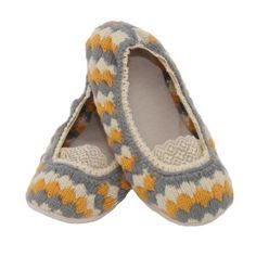 Get the perfect slipper for all year round with Cicciabella's Posies! Available in 3 fabulous colors that speak to each season! Learn more by visiting us at http://www.bethbingham.com/cicciabella.html #fashion #beauty #trend #slipper #