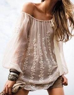 bohemian boho style hippy hippie chic bohème vibe gypsy fashion indie folk dress I Love Vintage Hippie Chic, Estilo Hippie, Hippie Bohemian, Boho Gypsy, Gypsy Style, Bohemian Style, Boho Chic, Bohemian Shirt, Modern Hippie Style
