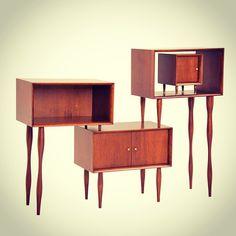 Estante carioca, outra novidade do @LATTOOGDESIGN para Schuster  #design #decor #home #decoracao #ficadica #casa #casavogue