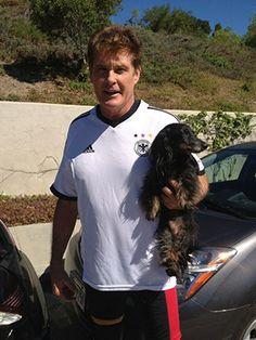 David Hasselhoff and his long haired weenie ---- hahahahaahaha the Hoff has a wiener dog!
