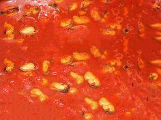 sugo alle cozze #ricettedisardegna #recipe #sardinia #mussel Mussels, Sardinia, Vinaigrette, Chana Masala, Salsa, Fish, Cooking, Ethnic Recipes, Mayonnaise