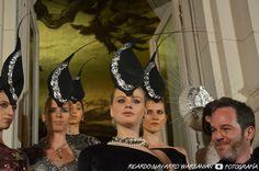"""Six O´Clock Tea 21° Edición - Los sombreros que acompañaron la colección """"Insomnia"""" , de Diego Vaz, estuvieron a cargo de Roxana Sittic Harb"""