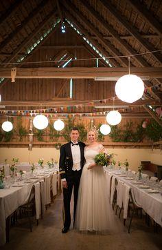 festlokal Backa Loge Rustic Wedding, Wedding Reception, Wedding Decorations, Table Decorations, Wedding Pinterest, Logs, Dream Wedding, Wedding Inspiration, Wedding Photography