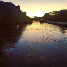 Canal frozen solid today on my walk home... #scotland #photooftheday #scotspirit #edinburgh