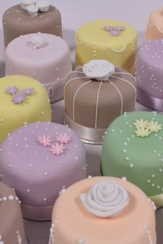 Small wedding cakes   You & Your Wedding