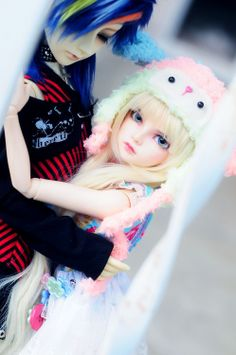 Does anybody knows where i can find more photos of that bjd doll ? I dunno where i can find more and i WANT more so bad. So if anyone knows, please send me the link or something