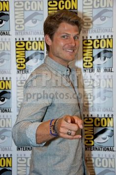 """Travis Van Winkle """"The Last Ship"""" press line. He was pointing at me after I said he did a good over the shoulder look for the camera. He was so nice!"""